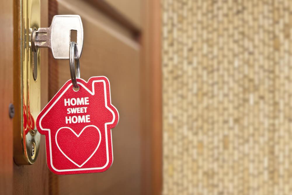 home-sweet-home-key-in-door